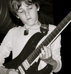 12 Year Old Guitar Prodigy Covers Guthrie Govan S Fives